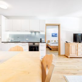 4-Zimmerappartement mit Zirbenholz ausgestattet